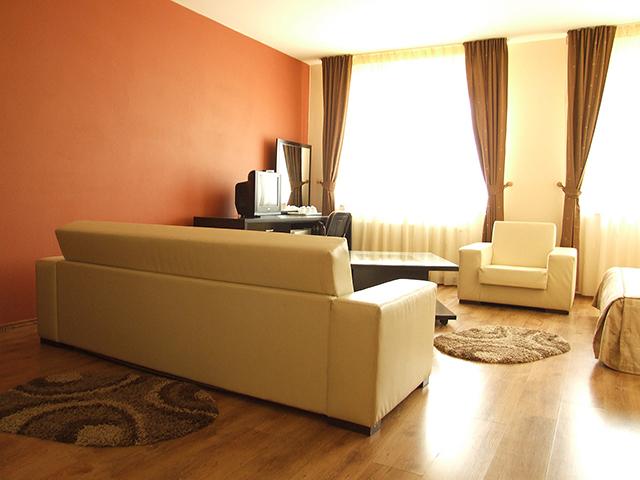 Camere & Apartamente